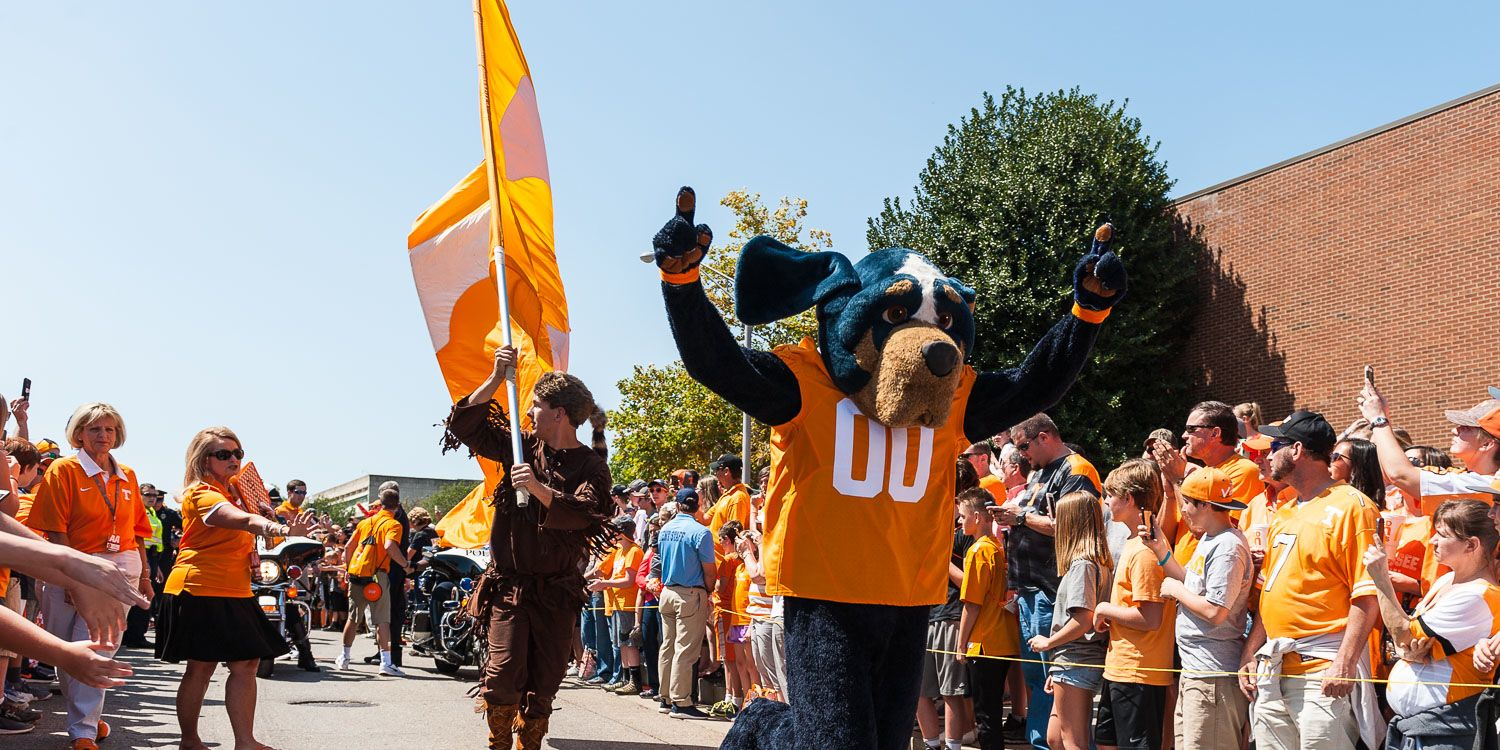 Tennessee+Volunteers+Smokey+mascot