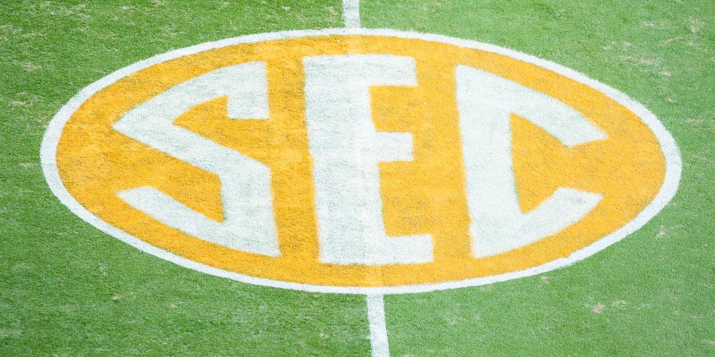 SEC+logo+on+field+-+Tennessee